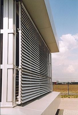 Motorised louvres